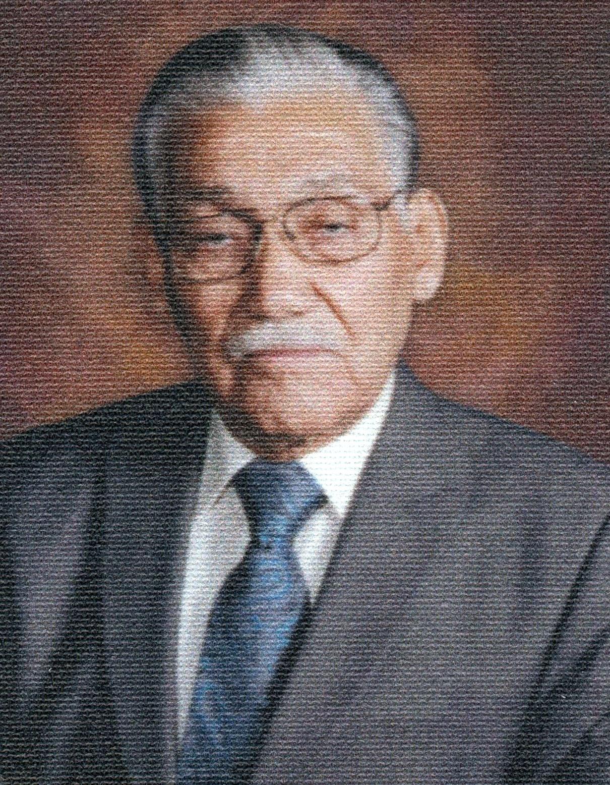 Eduardo S.  Hernandez
