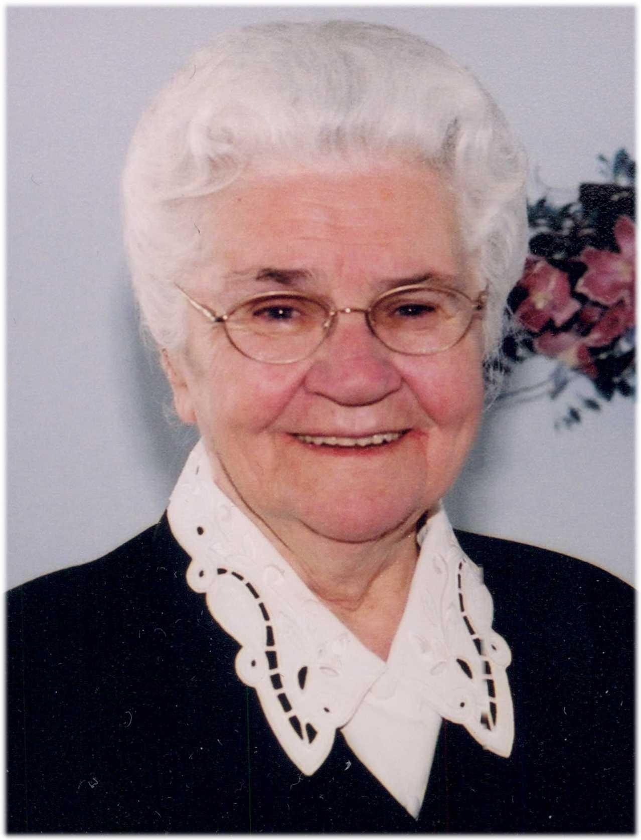 picture Elizabeth Storm
