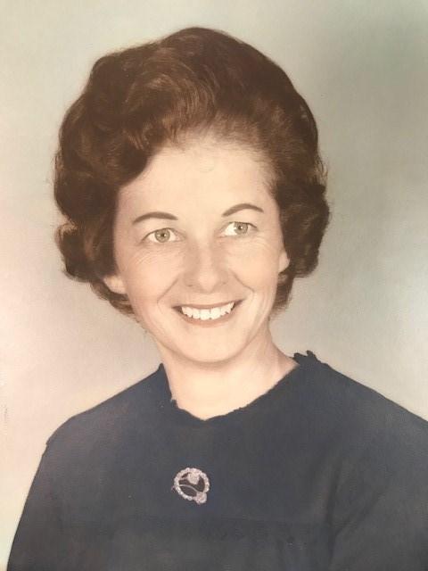 Della Mae  Tucker