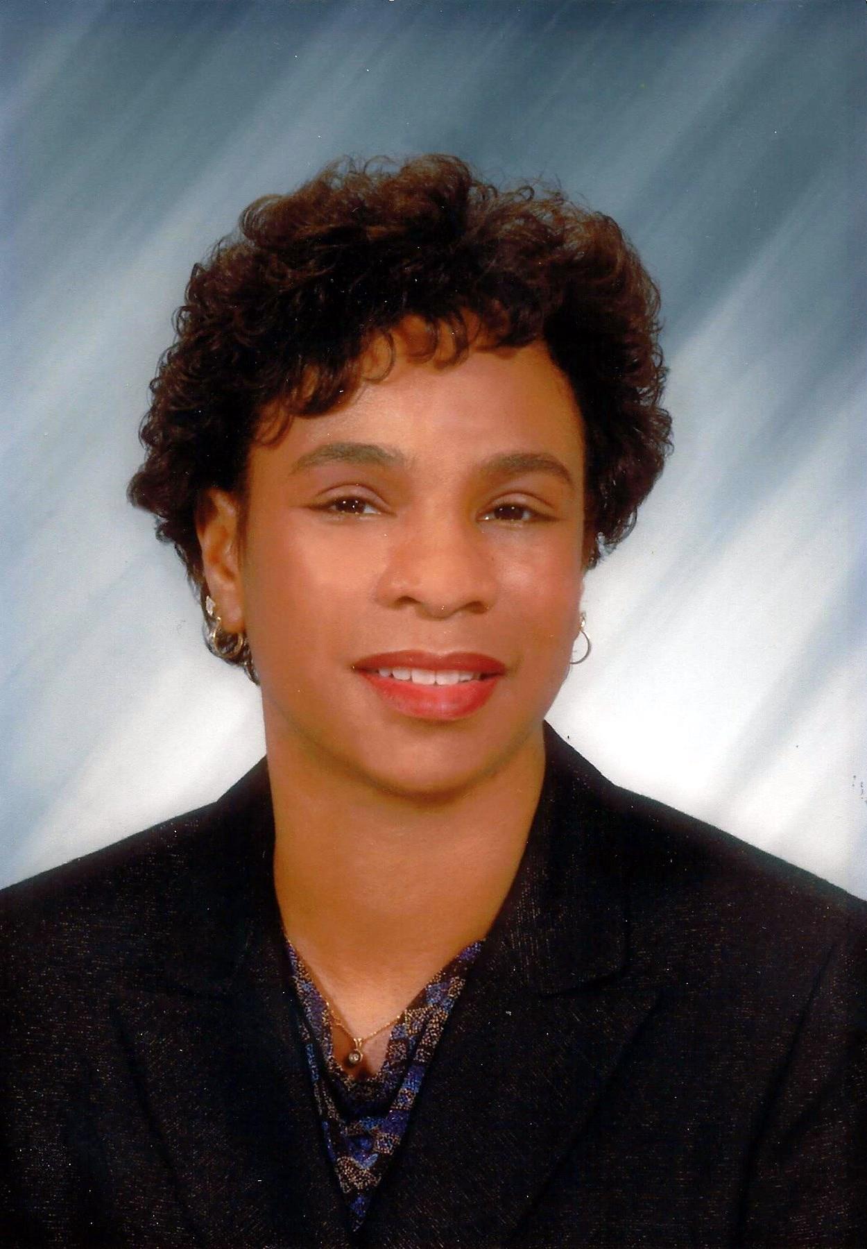 Gwendolyn Anne-Marie  Carlisle