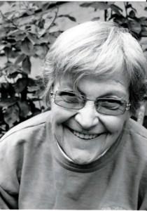 Mrs. Avonne Lois Deidre  Allen