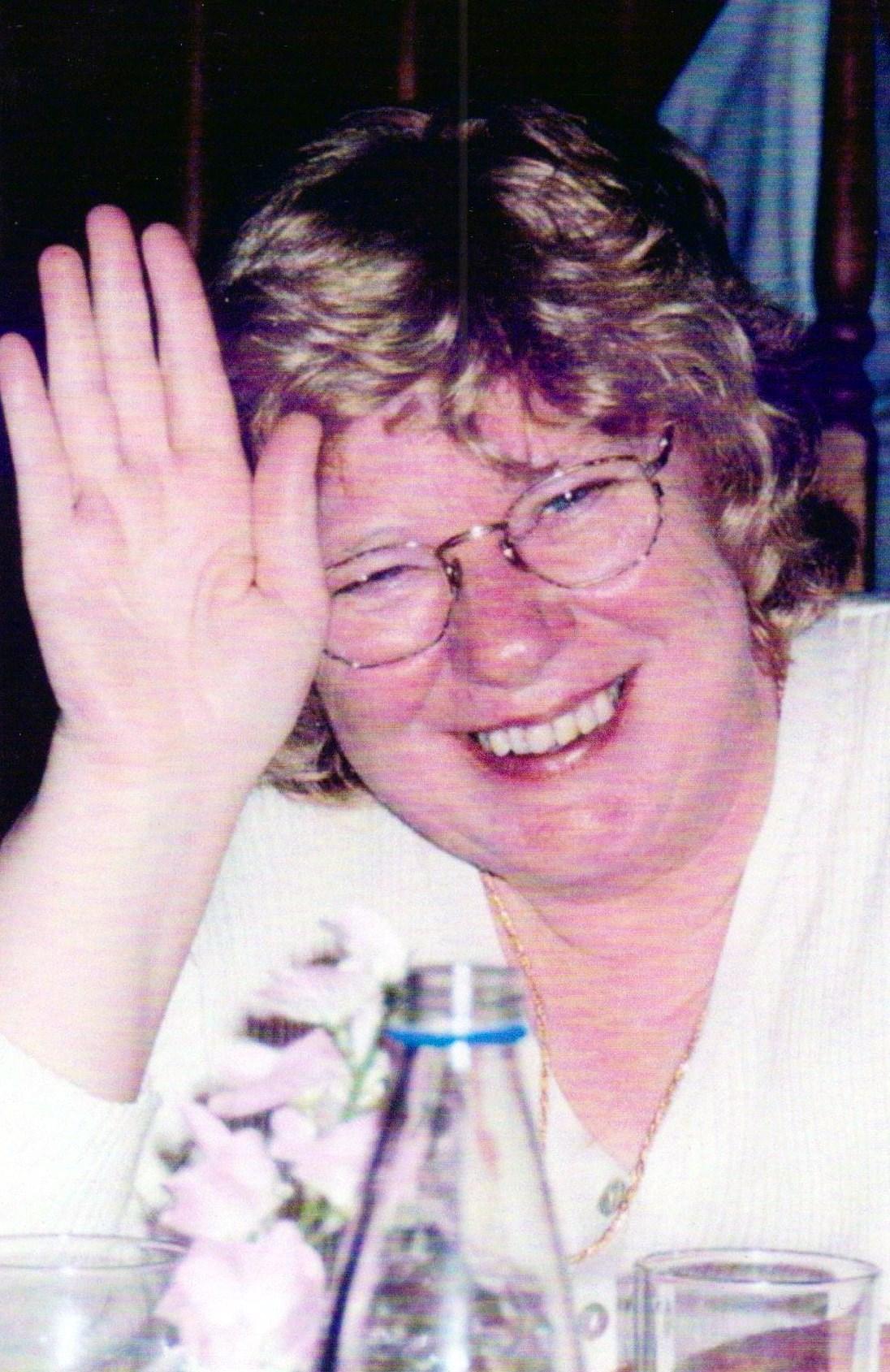 Clare  Slonosky (nee Leadbetter)