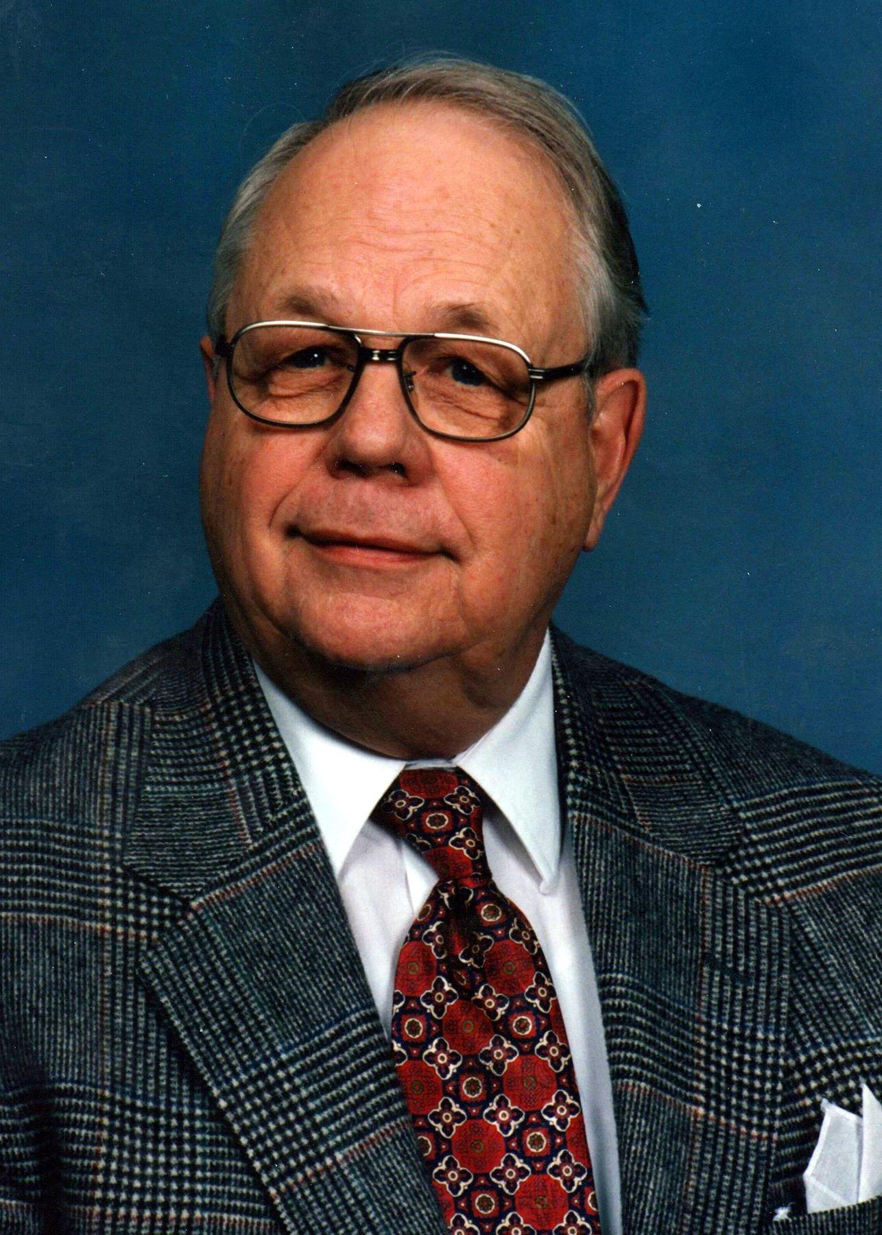 "William ""Bill"" Russell  Riggs"