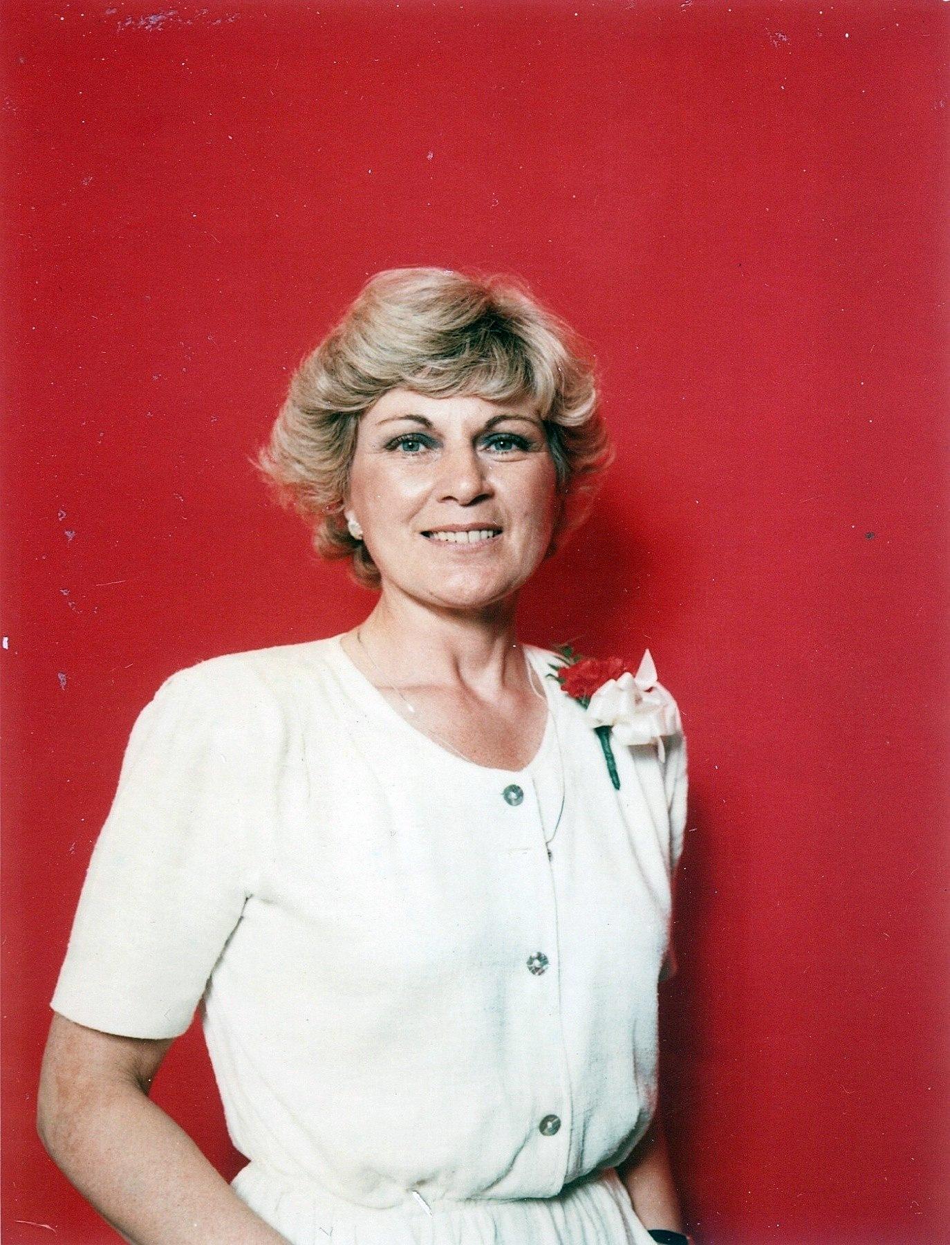 Scarlett Alice Johnson,Hildy Brooks Hot images Renee Jones,Anne Stallybrass (born 1938)