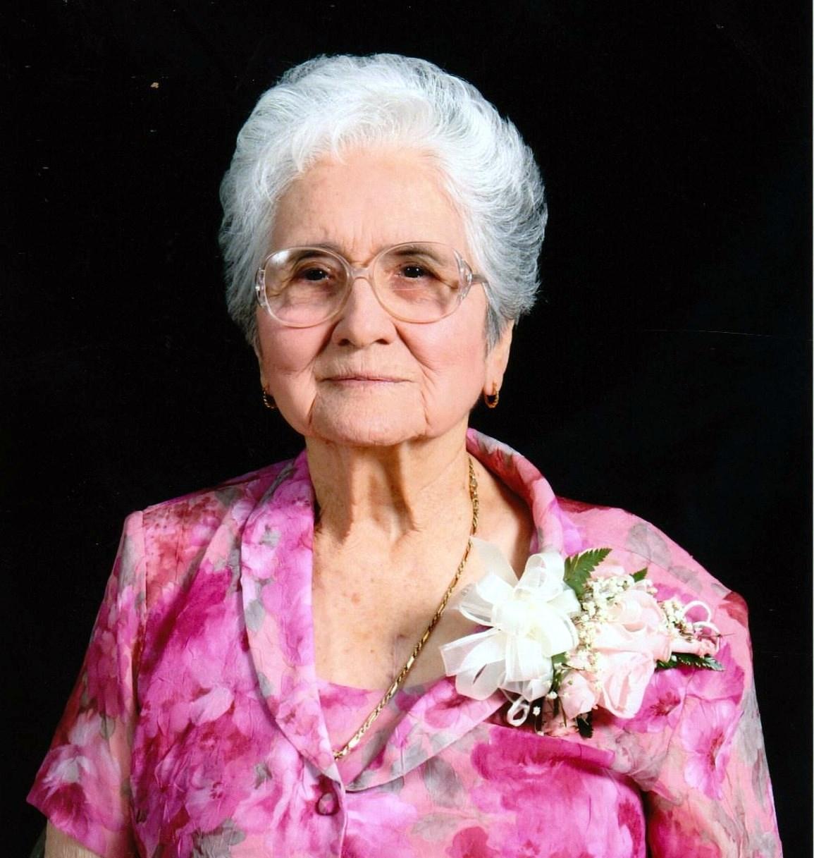 Eva P.  Perez