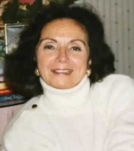 Joan  Hoonhout