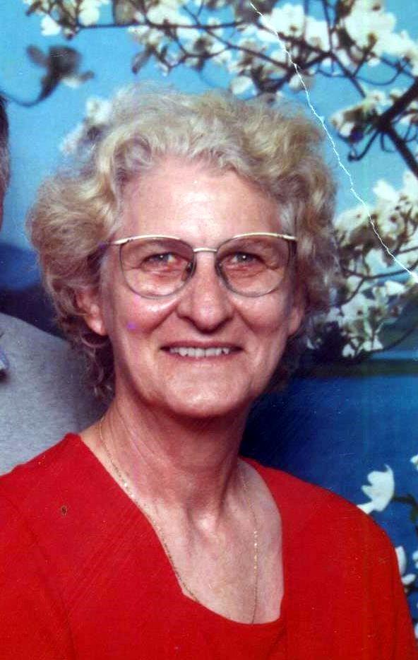 Lois Lynn  Troulliet