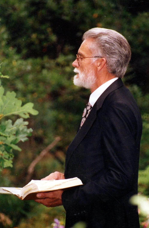 Warren F.  Abrams