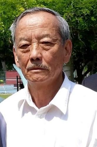 Yia  Xiong