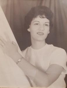 Annie  Salser
