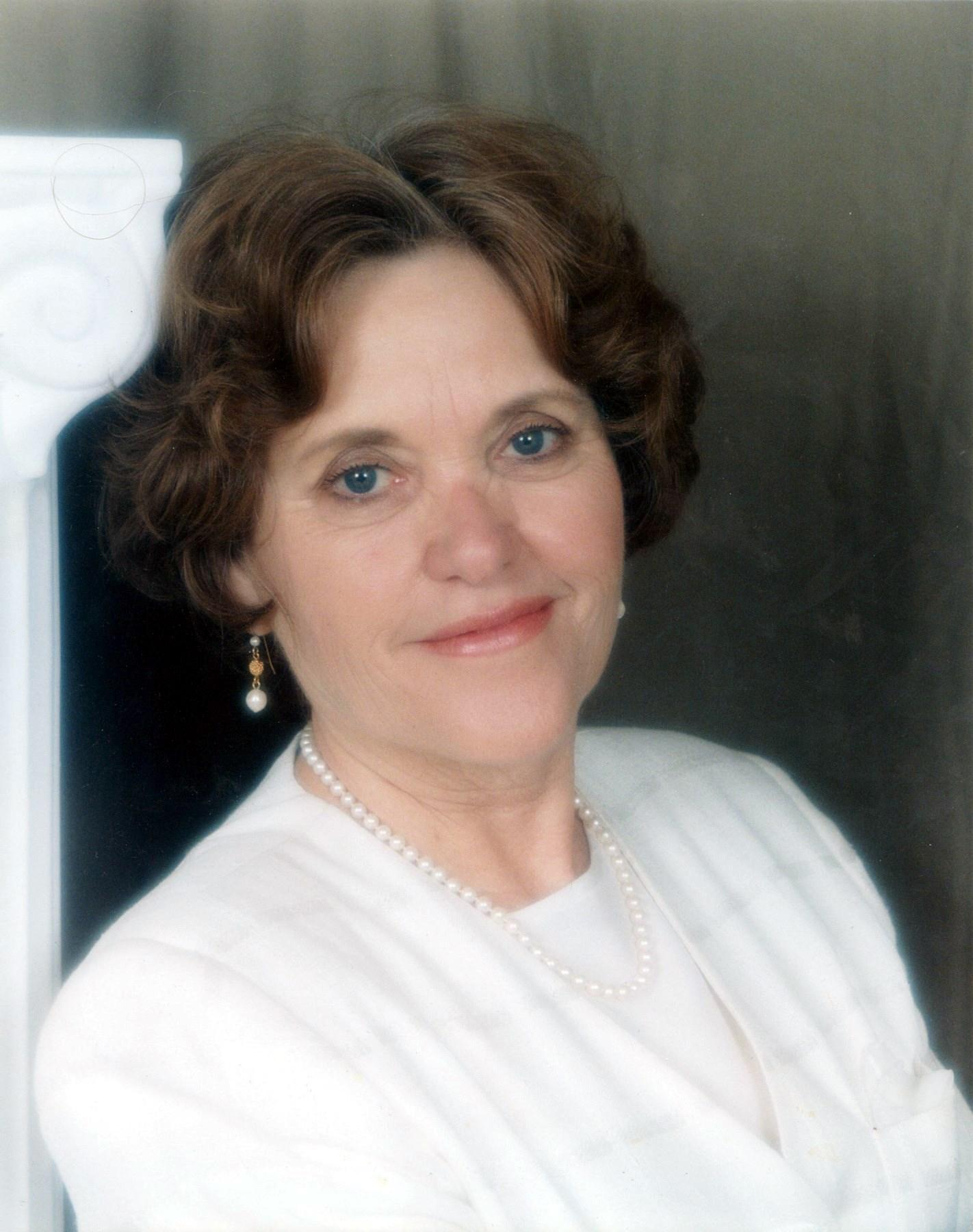 Dora  Carranza
