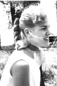 Vivian Joan  Nixon