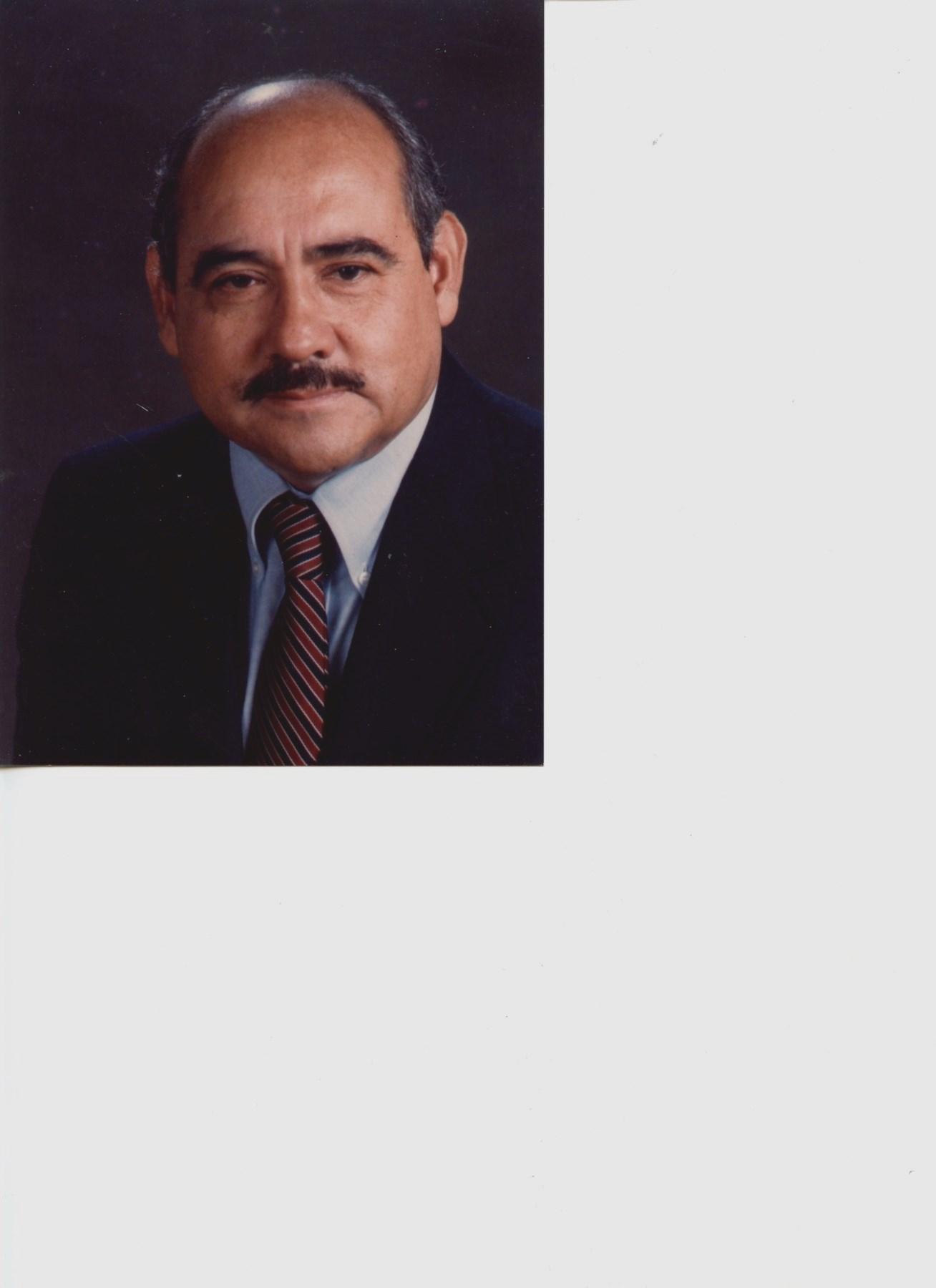Manuel Jose  Gil