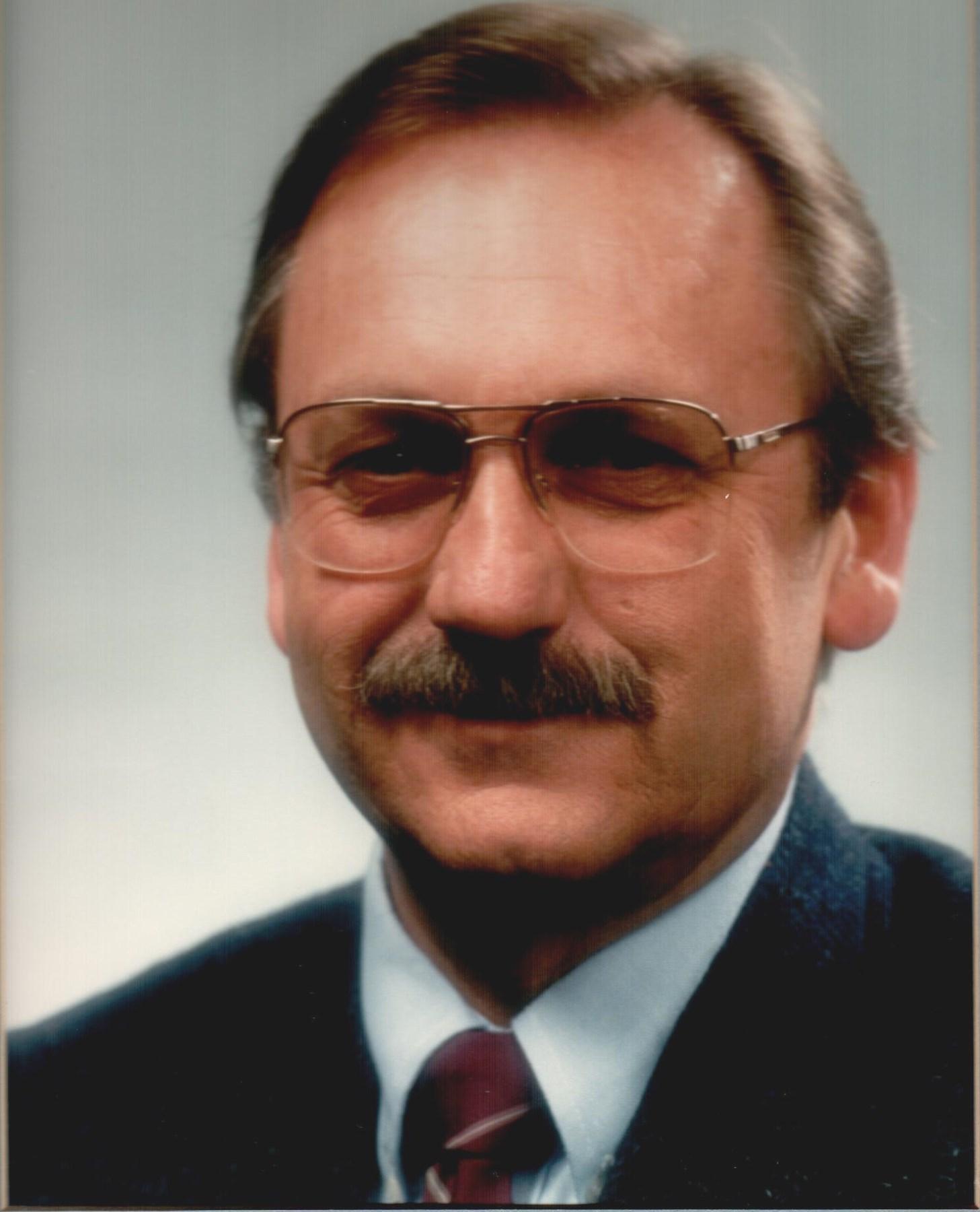 Dale W.  Peterson