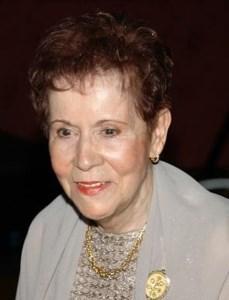 Lucille  Perron (Née Desrosiers)