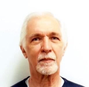 Harry E.  Daniels