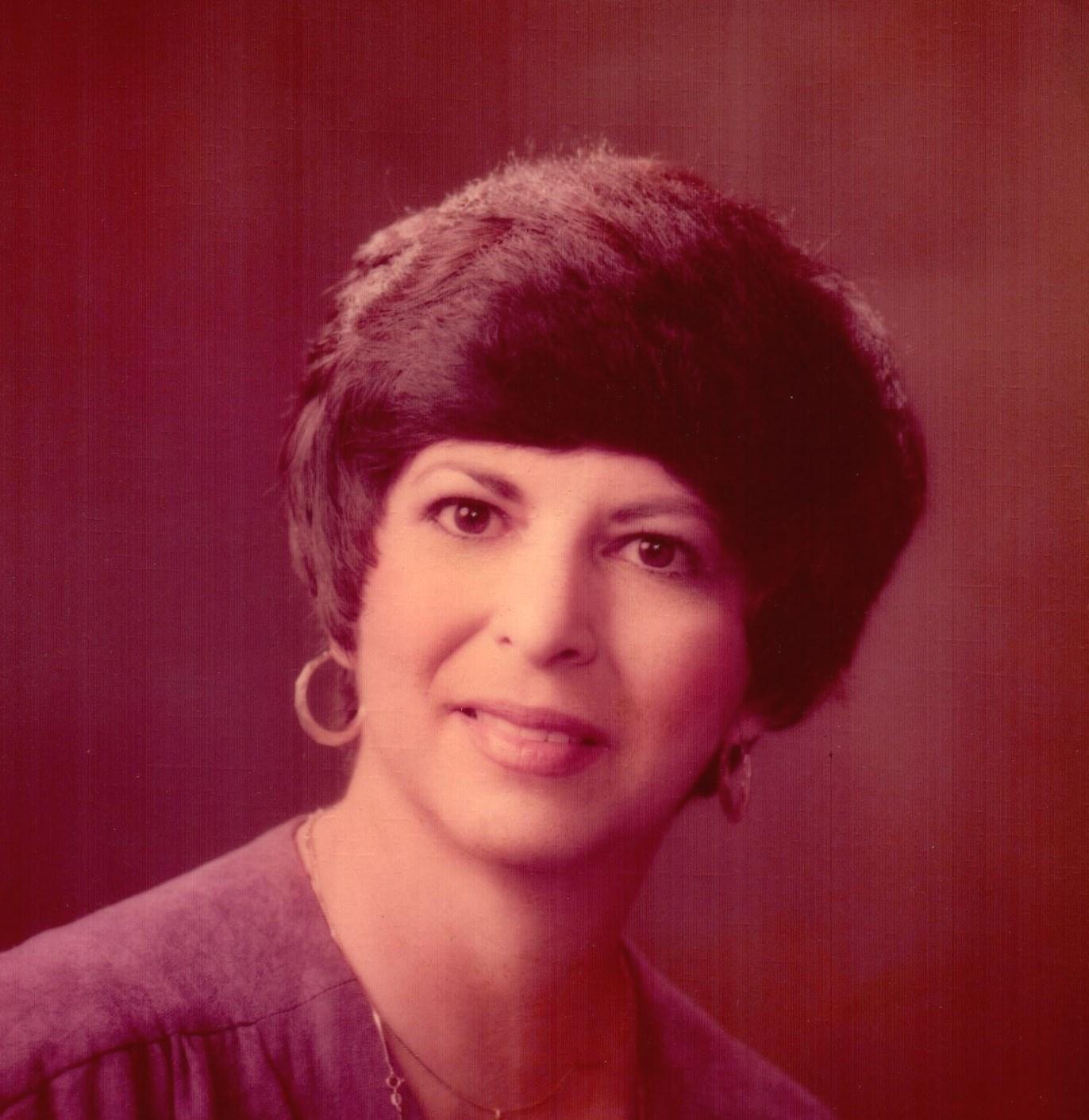 Gloria Castillo  Ybanez