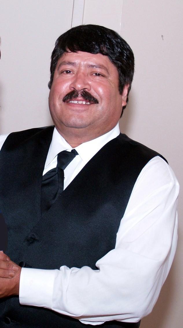 Gerardo Flores  Morales