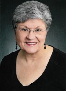 Lucia  Hnath