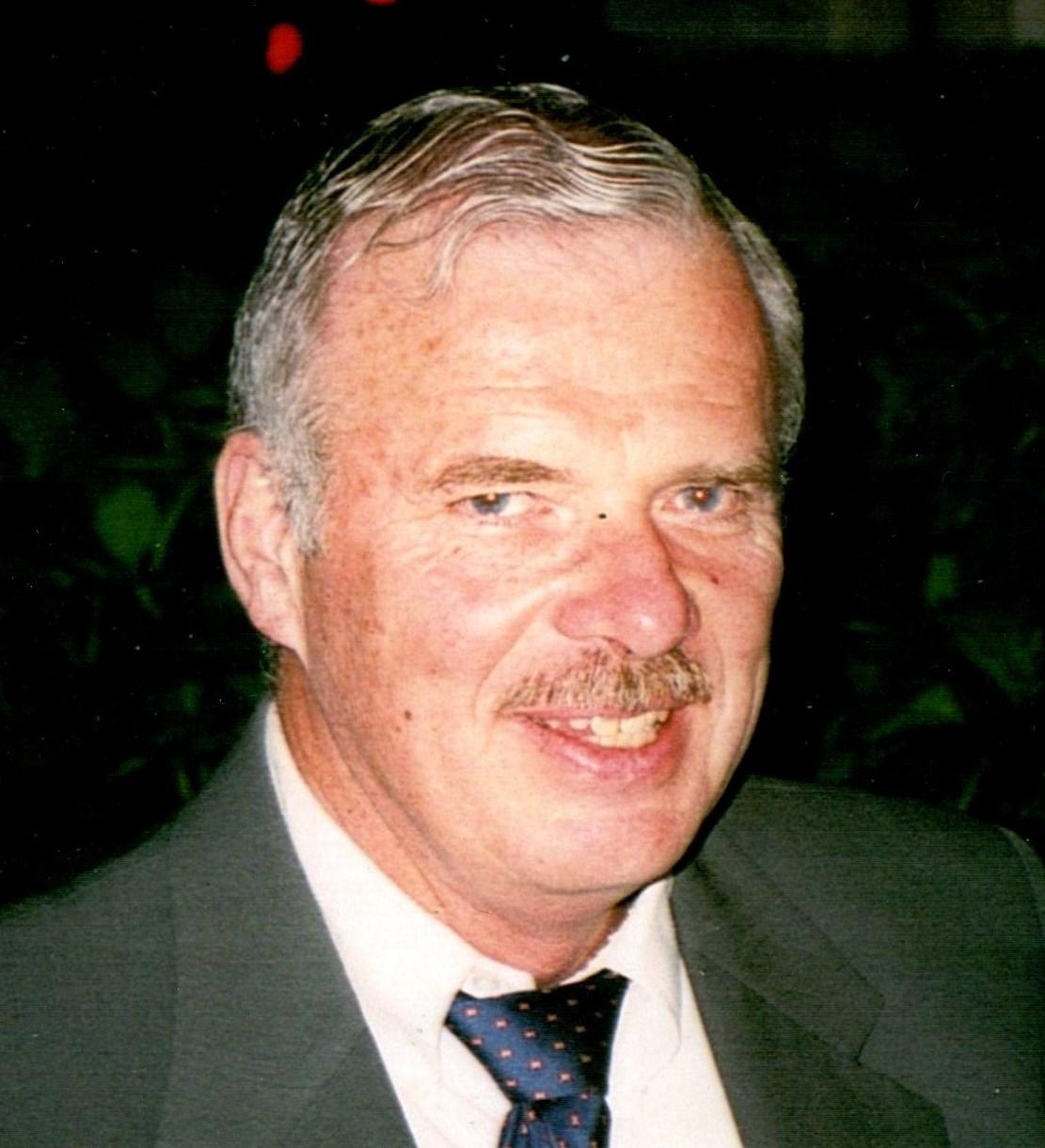 Wallace  Bennett