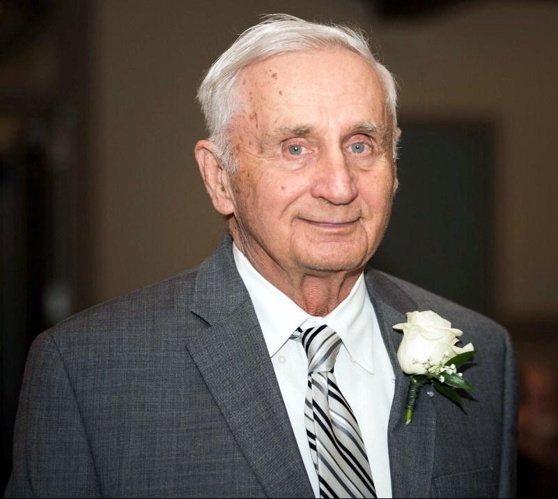 Harold R.  Kuntschik