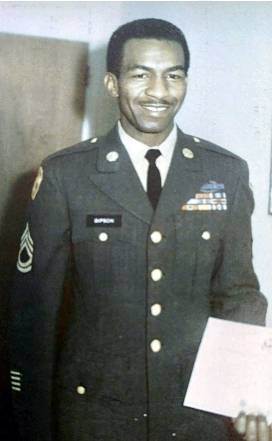 Tommie Lee  Gipson Sr.