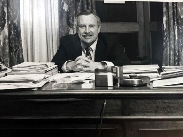 Donald D.  Bradley Jr.
