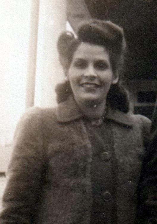 Lydia Delvecchio  Bermender