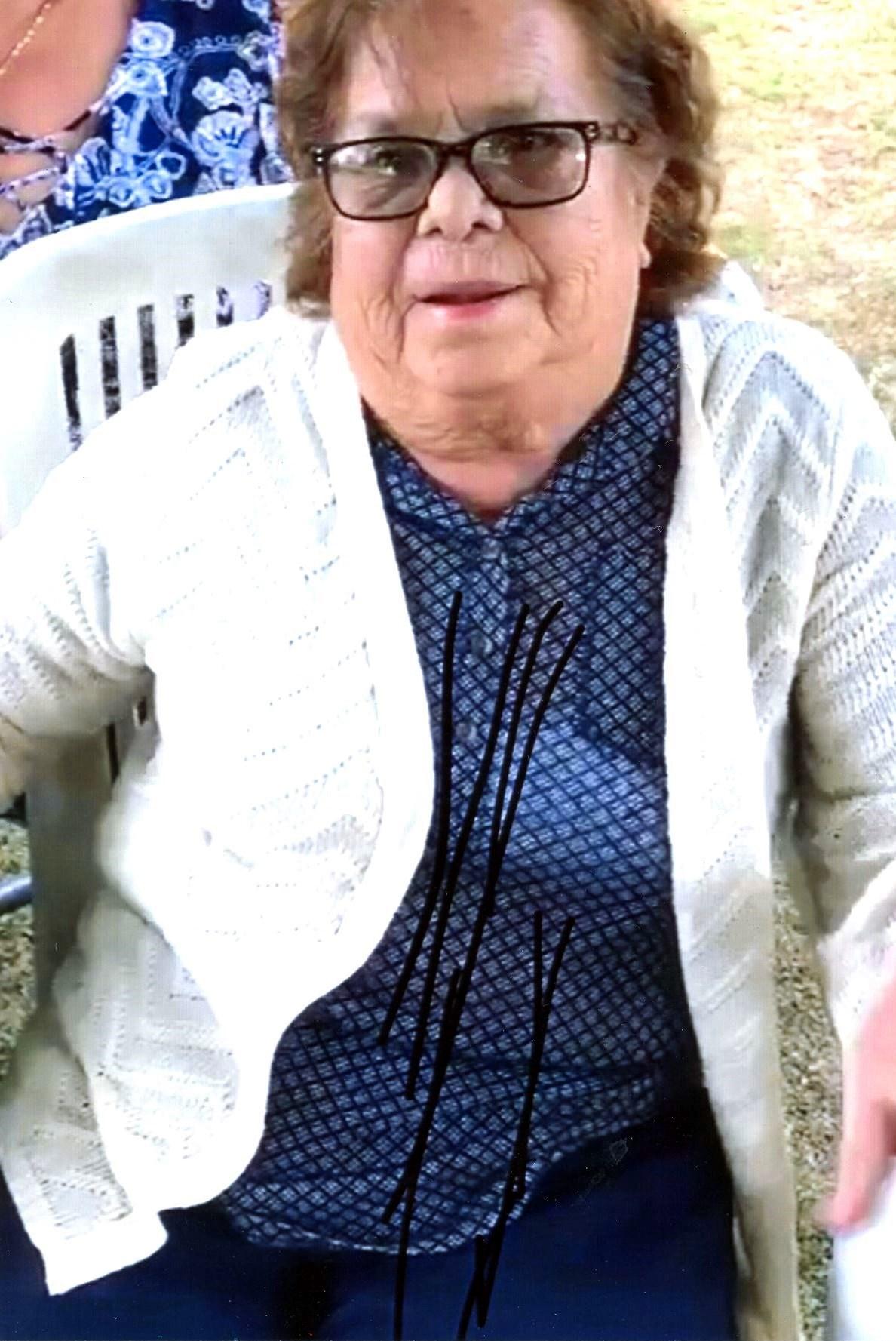 Sra Andrea Flores  Romero