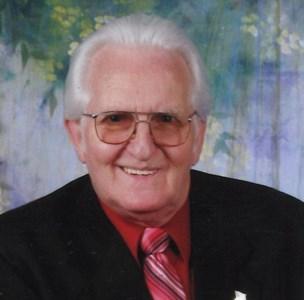 """Robert """"Bob""""  Wells"""