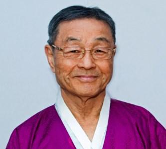 Steve  Yong-Uk   Nahm
