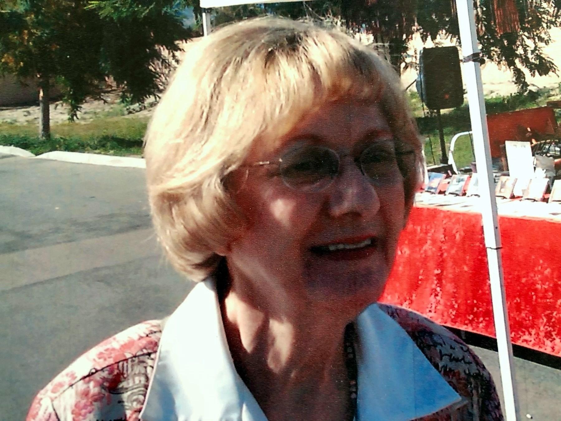 Lois Rachel  McNaughton
