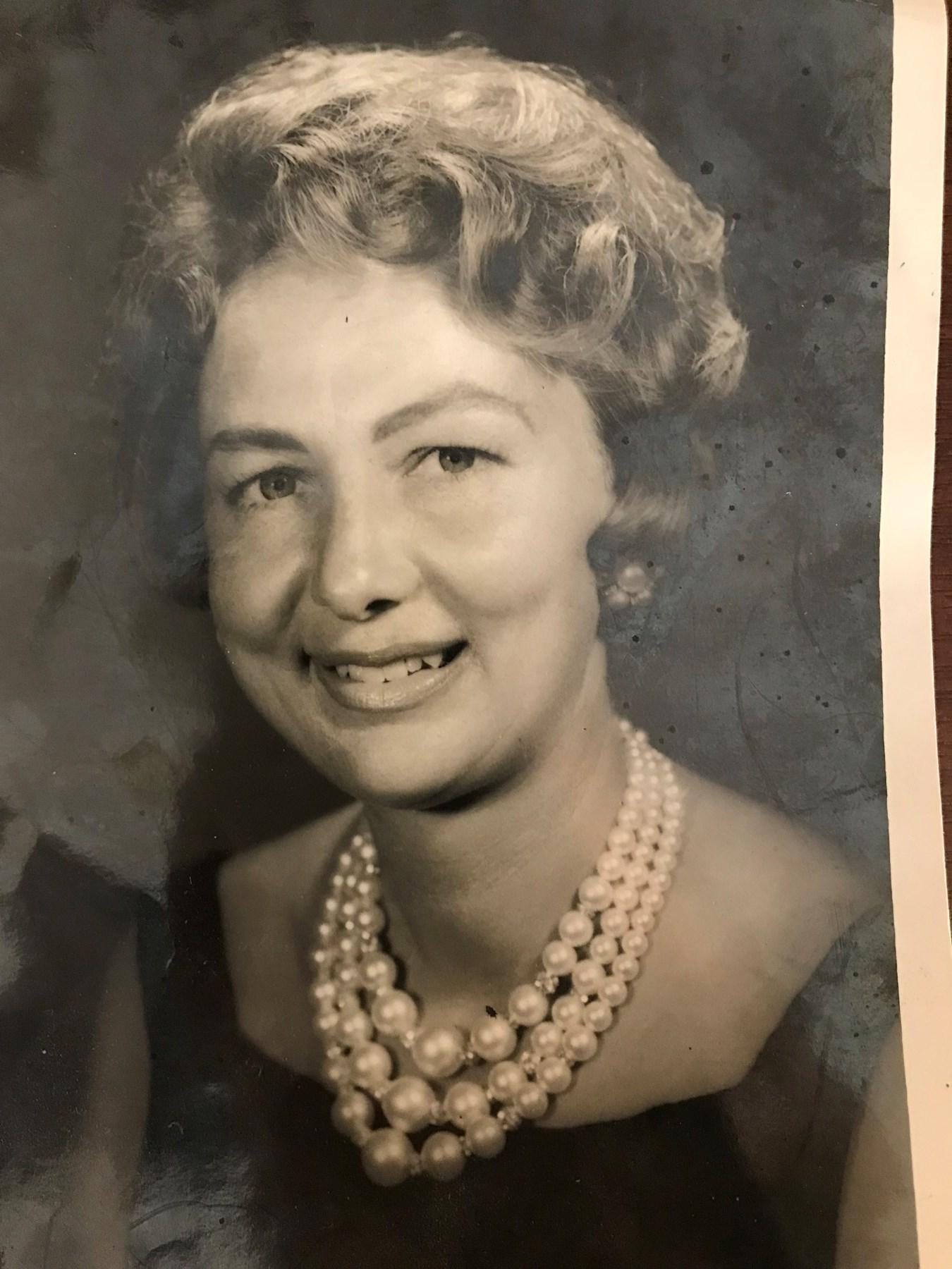 Lois McGee  Mabry