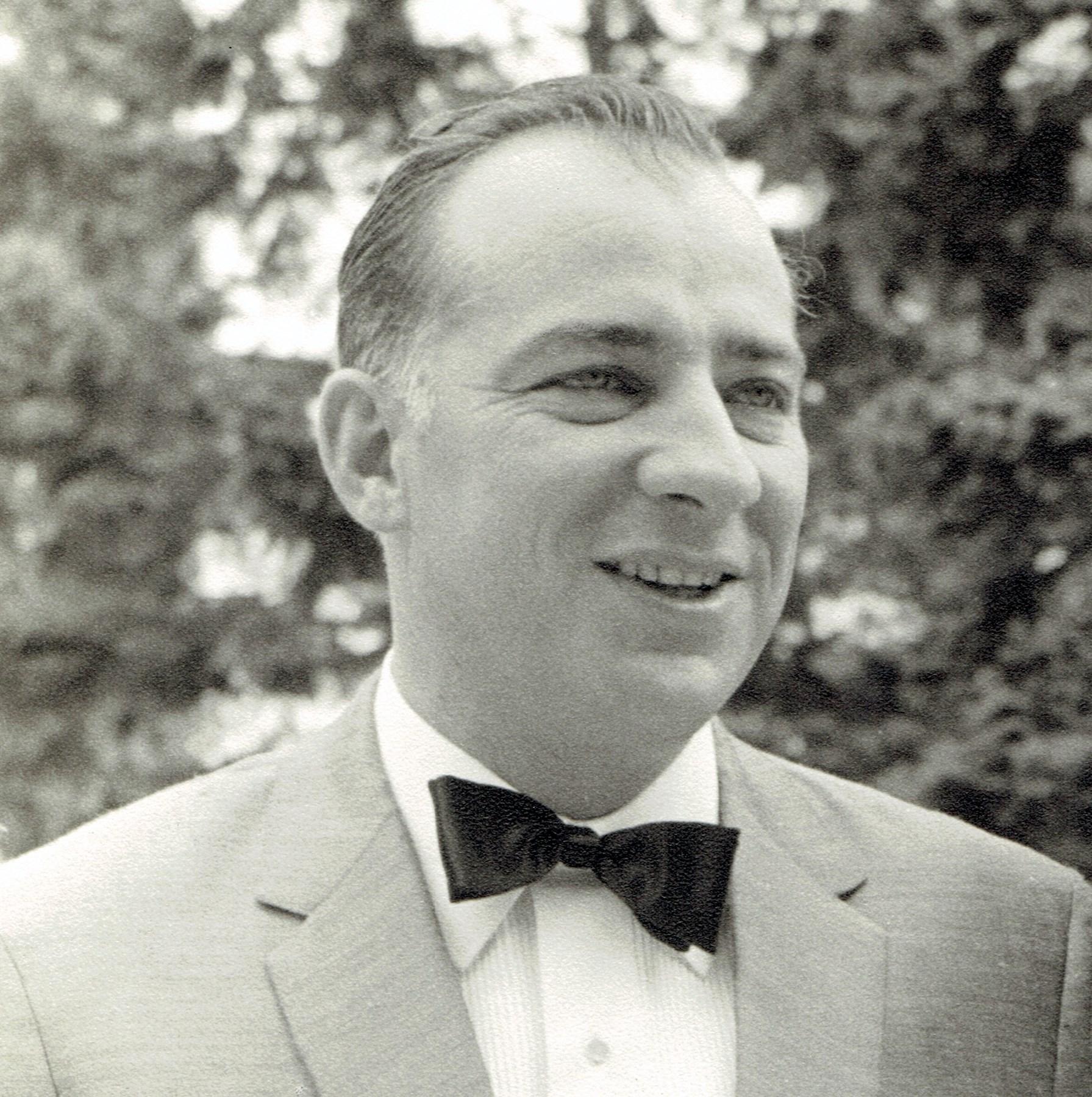 Charles  Testa