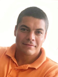 Ricardo Luis  Valencia Jr.