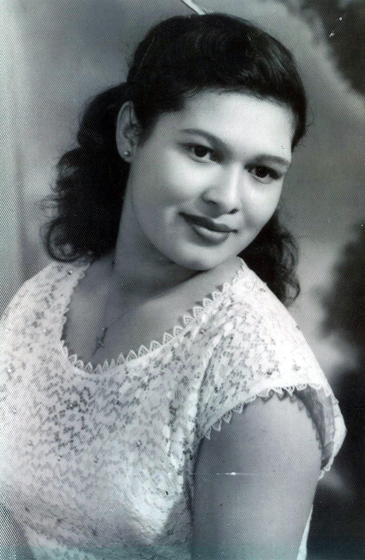 Marie Castellanos  Hernandez