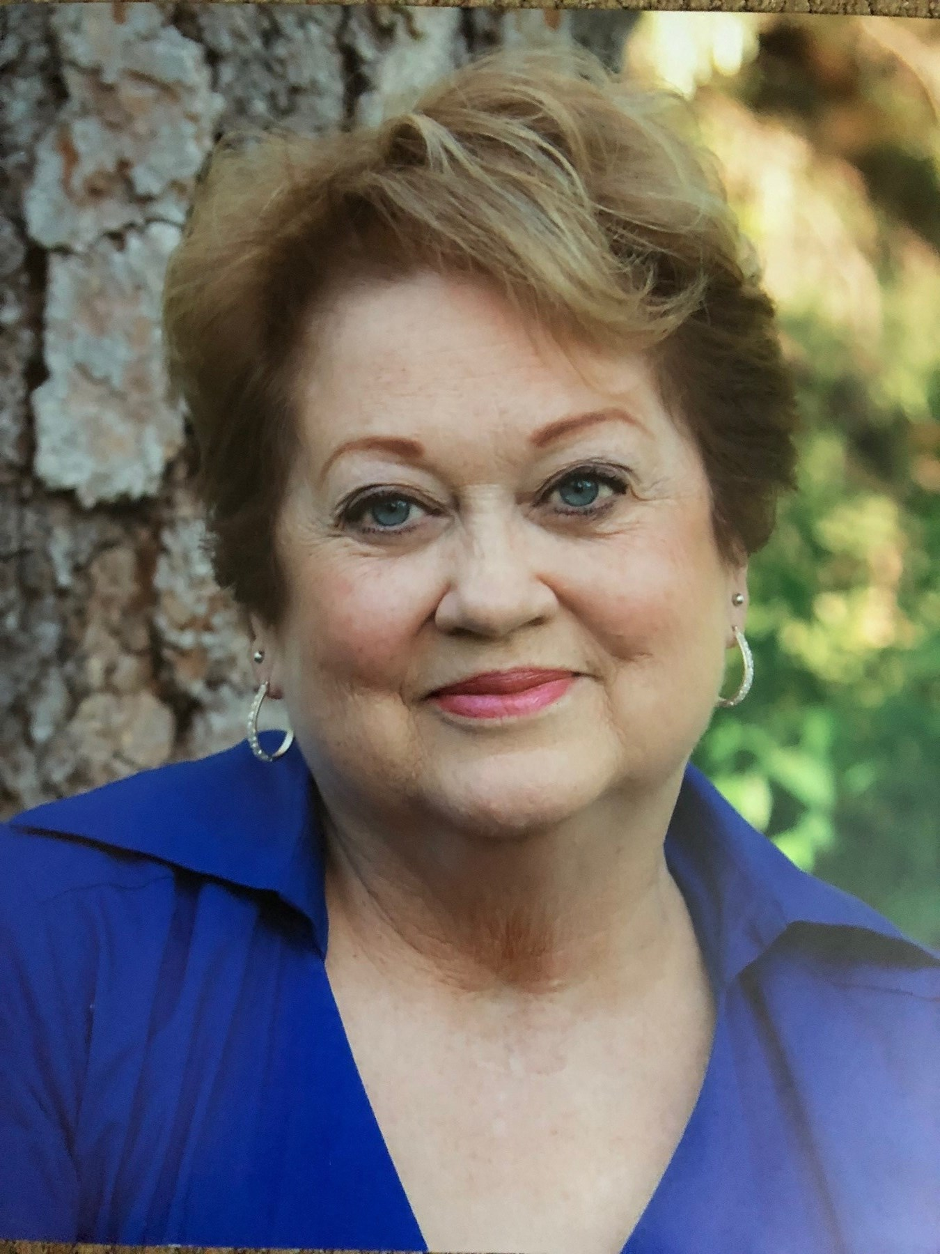 Laurie Lynne  Smith